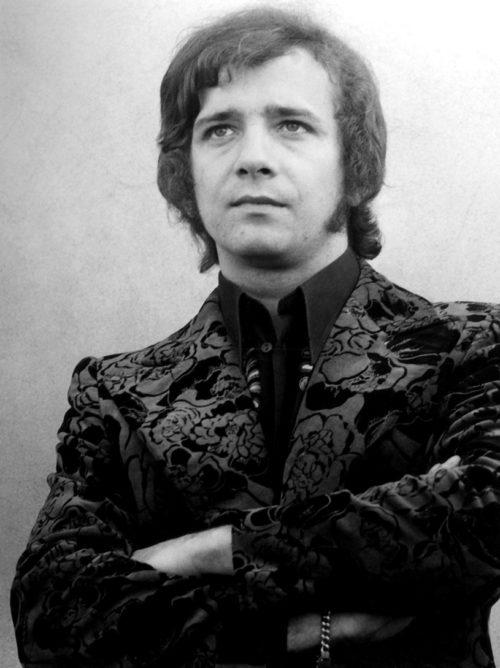 Jacek Lech ur. 15 kwietnia 1947 w Mikuszowicach, zm. 25 marca 2007 w Katowicach
